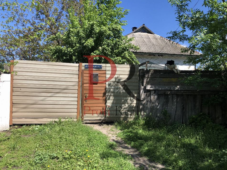 Хмельницкого Богдана улица, 2